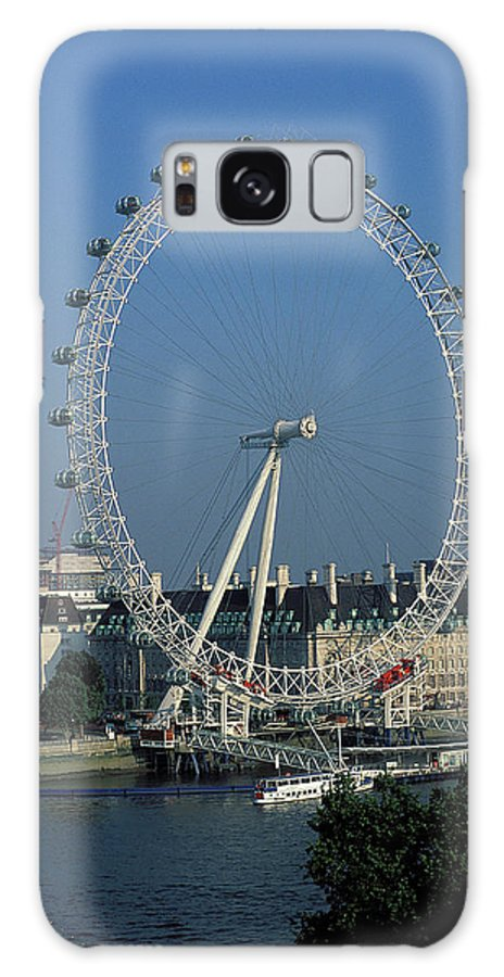 Ferris Wheel Galaxy S8 Case featuring the photograph The London Eye by Carl Purcell