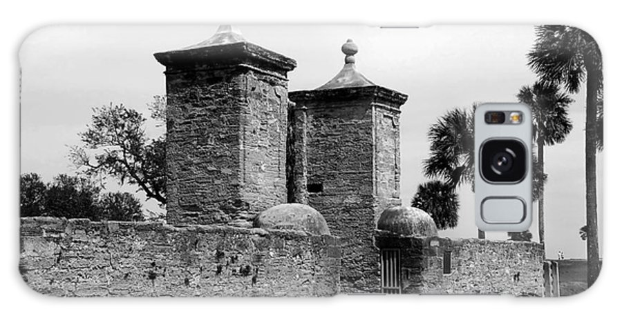 Saint Augustine Florida Galaxy S8 Case featuring the photograph The Old City Gates by David Lee Thompson