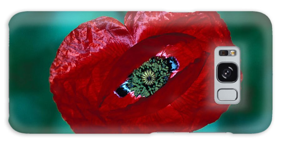Bright; Red; Green; Brilliant; Flower; Flora; Close-up; Eye; Nature; Opium; Sleep; Death; Hypnotic; Magic; Wizard; Dorothy; France Galaxy S8 Case featuring the photograph The Opiate Of Desire by Carl Purcell