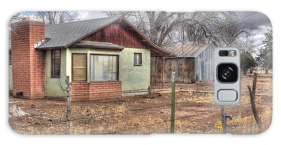 Buildings Structures Homesteads Ranch's Property Live Memories Good Time Bad Times Family Stories Nature Grass Bushes Trees Color Red Gold Green Blue Sky Clouds Hdr Chino Valley Northern Arizona Galaxy S8 Case featuring the photograph The Sadness Of Hard Luck by Thomas Todd
