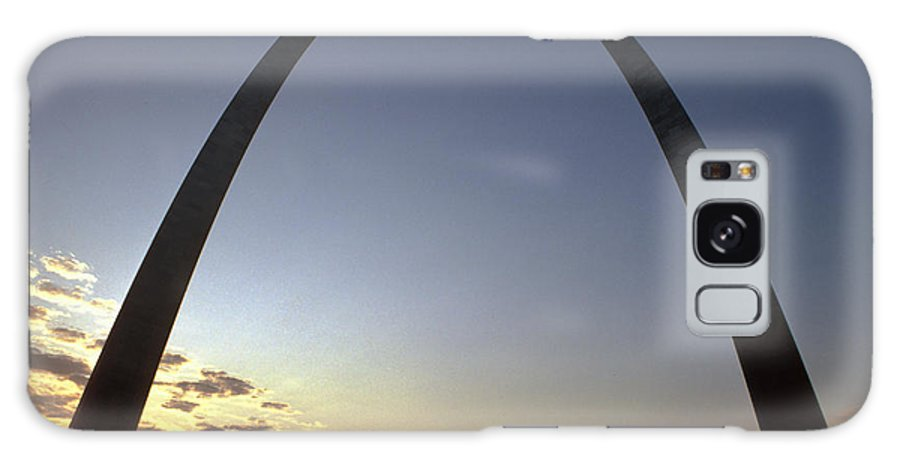 Landmark Galaxy S8 Case featuring the photograph The St. Louis Arch by Carl Purcell