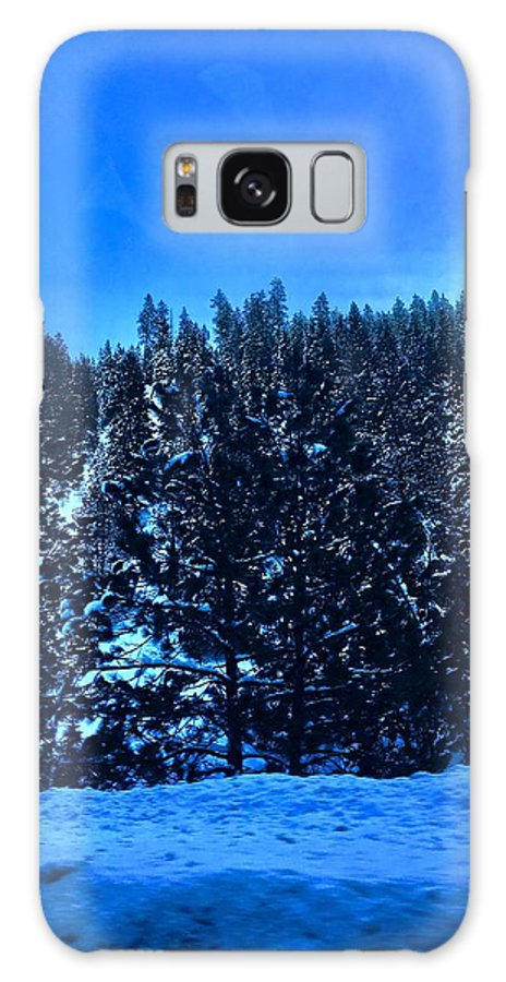 Mountain Summit Galaxy S8 Case featuring the photograph The Summit by Aunalea Vasquez