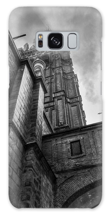 Photography Galaxy S8 Case featuring the photograph The Tower by Ignacio Leal Orozco