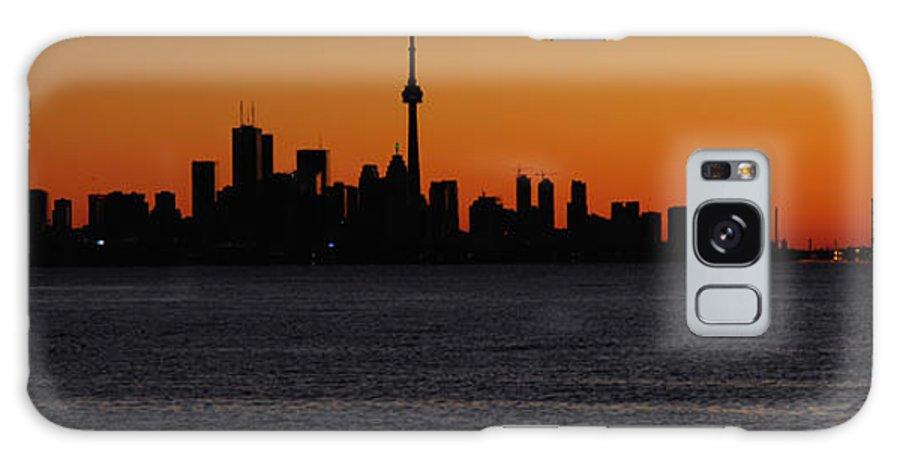Toronto Galaxy S8 Case featuring the photograph Toronto Skyline by Joe Ng