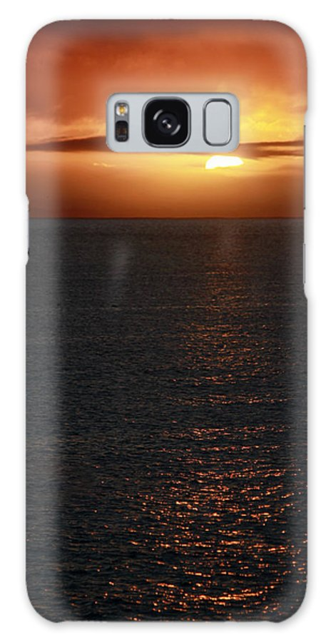 Sunset Galaxy S8 Case featuring the photograph Towards The Horizon by Pauline Darrow
