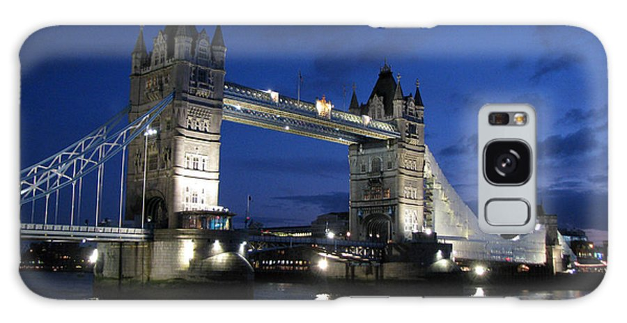 London Galaxy S8 Case featuring the photograph Tower Bridge by Amanda Barcon