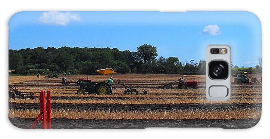 Tractors Galaxy S8 Case featuring the photograph Tractors Competing by Ian MacDonald