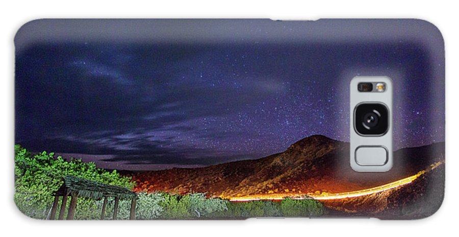 Car Trails Galaxy S8 Case featuring the photograph Trailer Travels by Josafat De la Toba