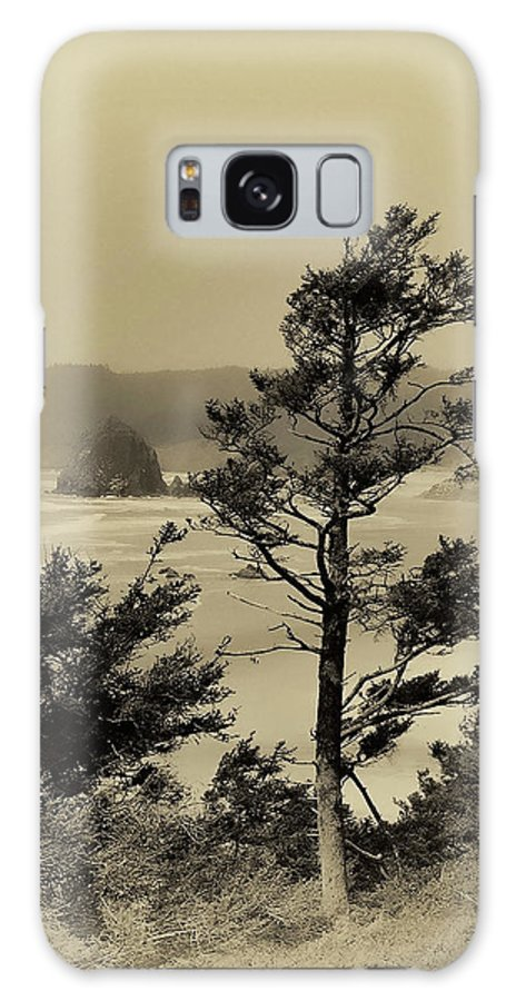 Cannon Beach Galaxy S8 Case featuring the photograph Vintage Cannon Beach by David Patterson