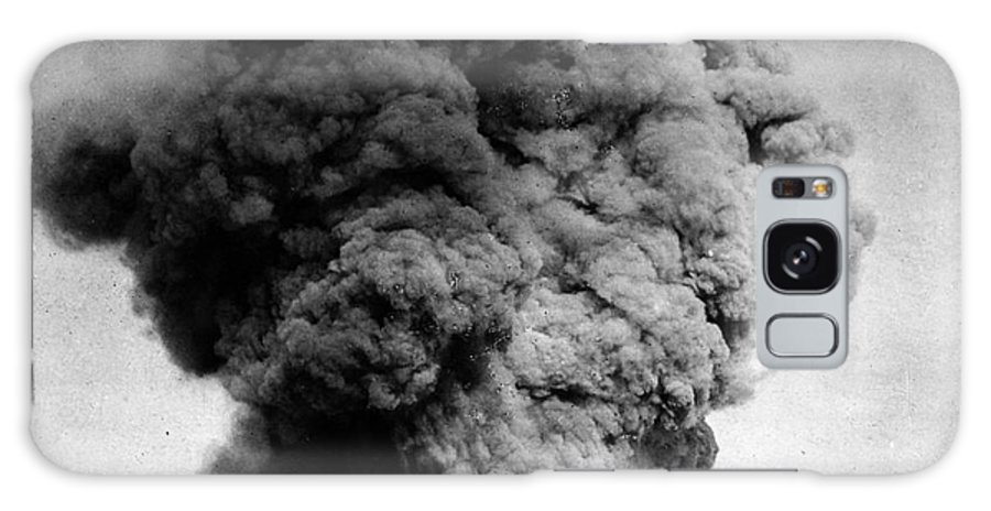 1910 Galaxy S8 Case featuring the photograph Volcano: Java, 1910 by Granger