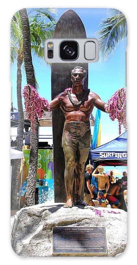 Statues Galaxy S8 Case featuring the photograph Waikiki Statue - Duke Kahanamoku by Mary Deal