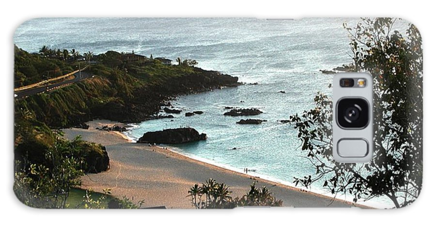 The Beach Galaxy S8 Case featuring the photograph Waimea Bay by Chandelle Hazen