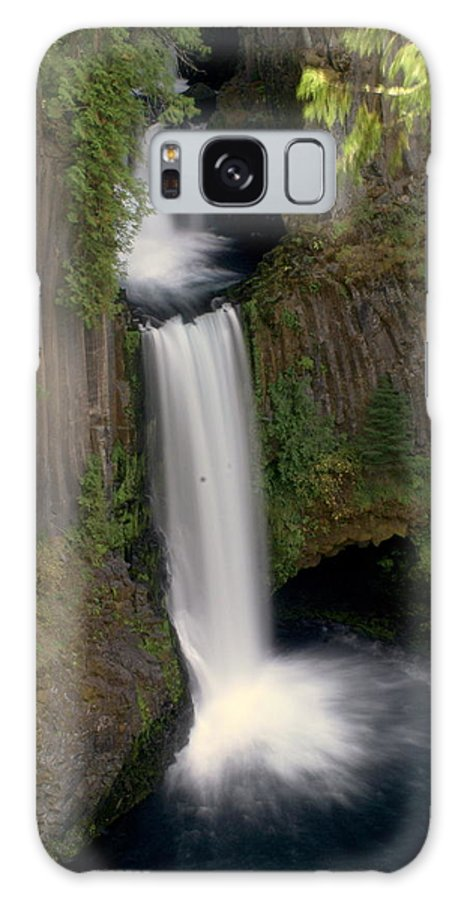 Waterfall Galaxy S8 Case featuring the photograph Washington Waterfall by Marty Koch