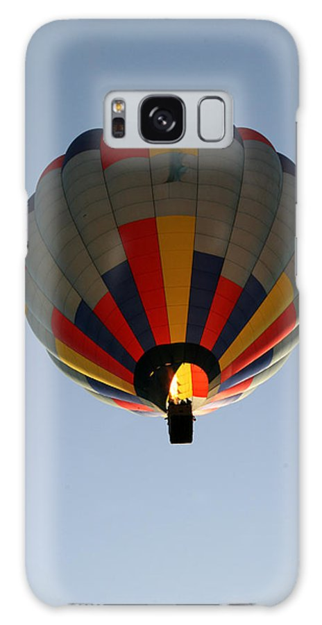 Hot Air Balloon Galaxy S8 Case featuring the photograph Way Up High by George Jones