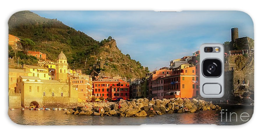 Vernazza Galaxy S8 Case featuring the photograph Welcome To Vernazza by Doug Sturgess