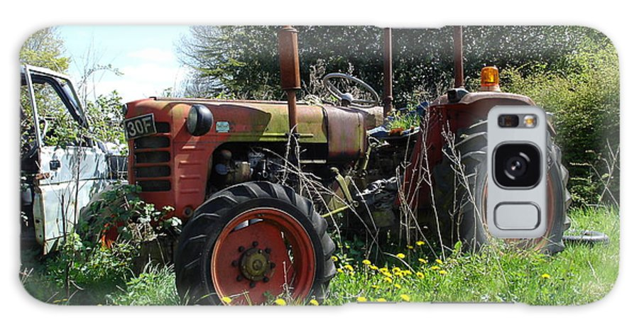 Tractor Galaxy S8 Case featuring the photograph Well And Truely Retired by Susan Baker