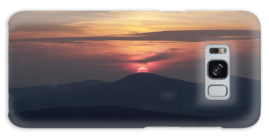 Alpenglow Galaxy S8 Case featuring the photograph White Mountains Nh - Sunset by Erin Paul Donovan