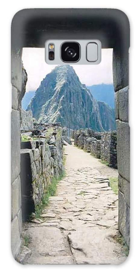 Peru Galaxy S8 Case featuring the photograph Winay Picchu by Kathy Schumann