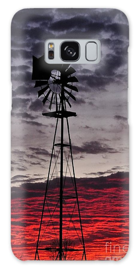Sunset Galaxy S8 Case featuring the photograph Windmill Sunset Tall by Mark Stratton