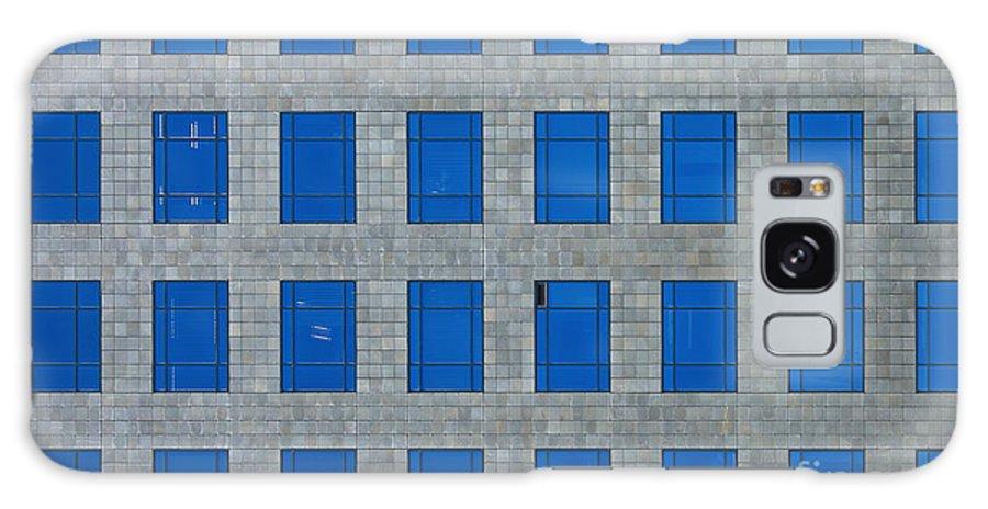 City Galaxy S8 Case featuring the photograph Windows Bedspread by Viktor Savchenko