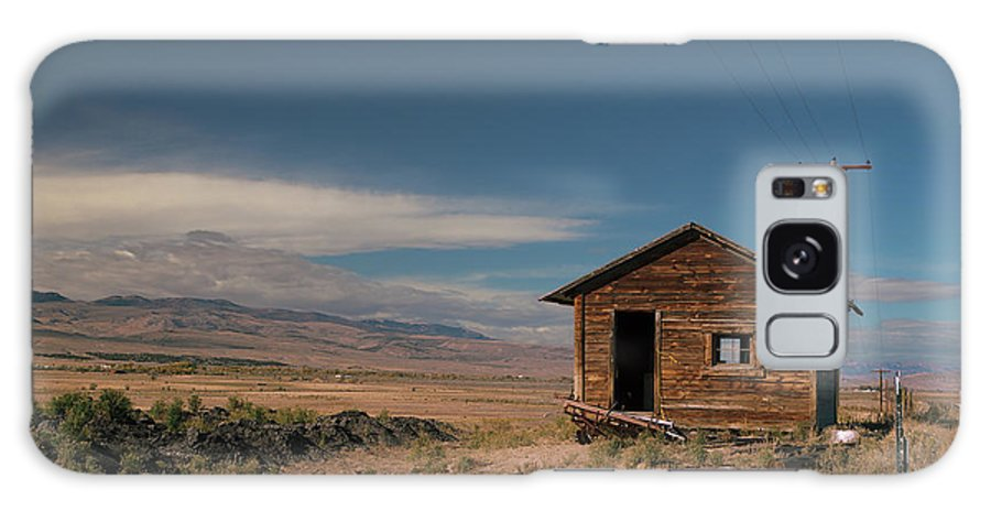 Shack Galaxy S8 Case featuring the photograph Wyoming Shack by Grant Groberg