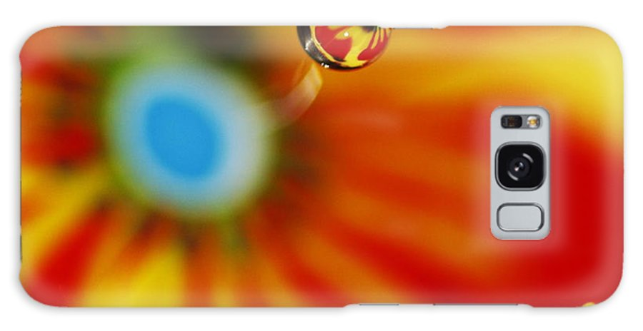 Macro Water Drop Galaxy S8 Case featuring the photograph Zoom by Rebecca Cozart