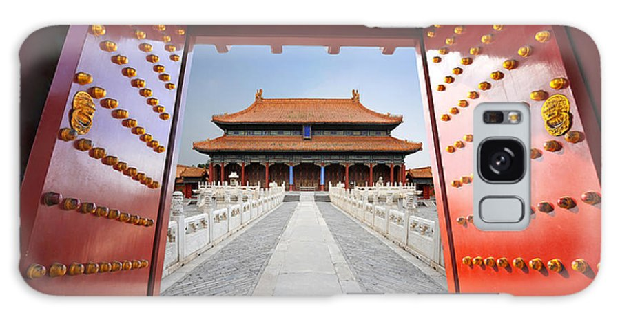 Door Galaxy S8 Case featuring the photograph Forbidden City In Beijing , China by Hung Chung Chih