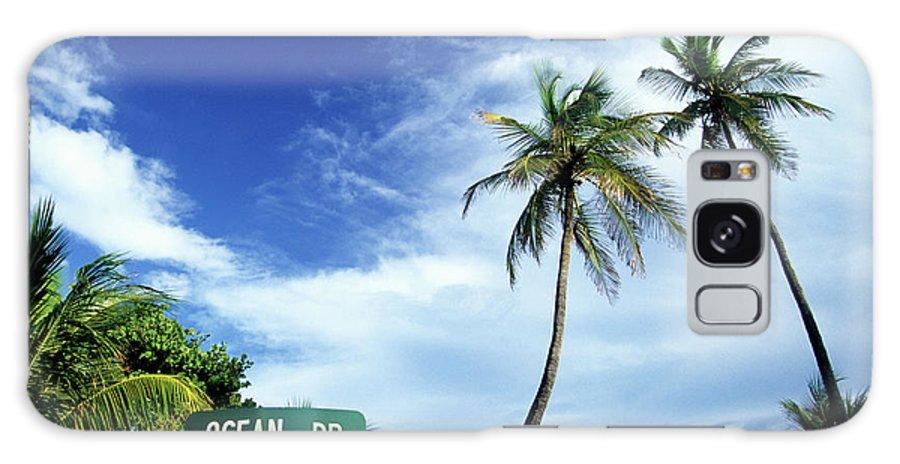 Outdoors Galaxy Case featuring the photograph Ocean Drive, South Beach, Miami by Hisham Ibrahim