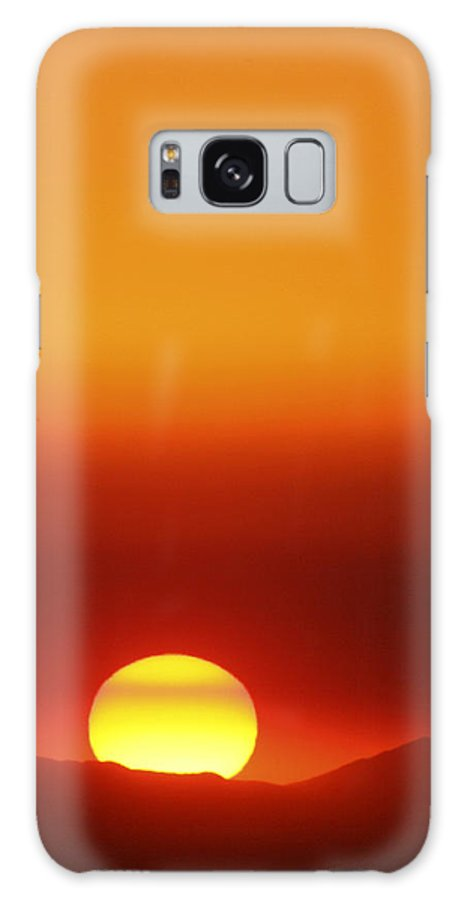 Catalina Sunset Galaxy S8 Case featuring the photograph Catalina Sun by Andre Aleksis