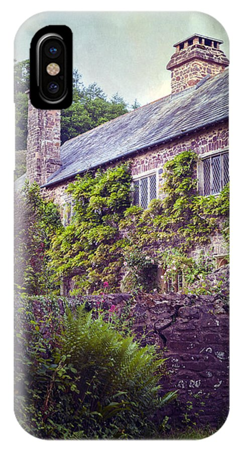 Cottage IPhone X Case featuring the photograph English Cottage by Joana Kruse