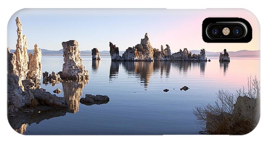 Mono Lake IPhone X Case featuring the photograph Mono Lake In First Light by King Wu