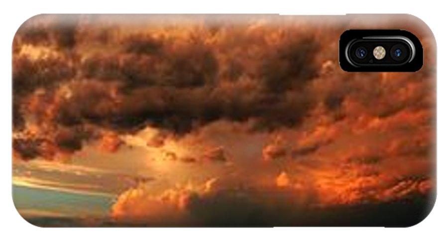 Stormscape IPhone X Case featuring the photograph Nebraska Thunderset by NebraskaSC