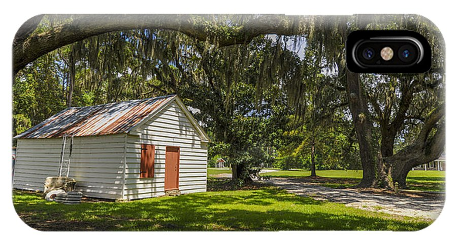 East Cooper Hospital Grounds IPhone X Case featuring the photograph Old Barn by Dale Powell