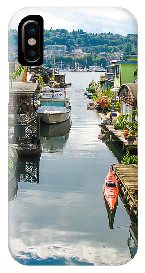 Seattle IPhone X Case featuring the photograph Seattle Houseboats by J Havnen
