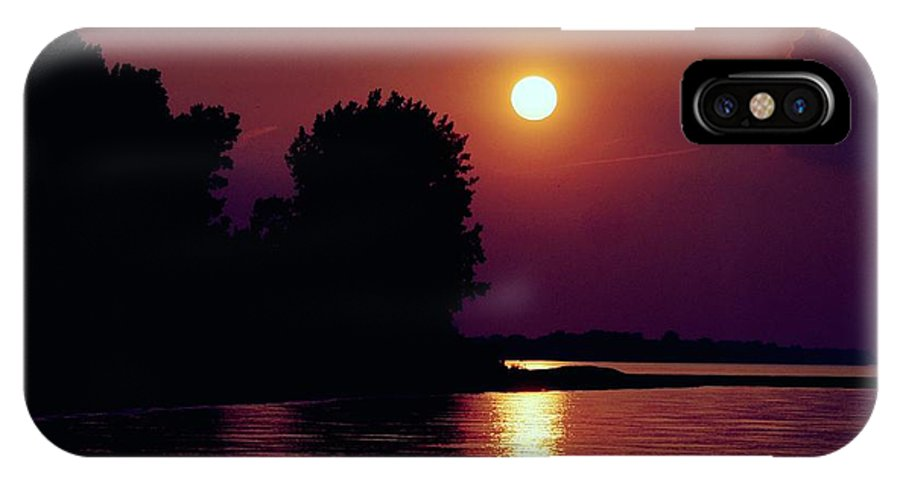 Sunrise IPhone X Case featuring the photograph Sundown by Dave Smith