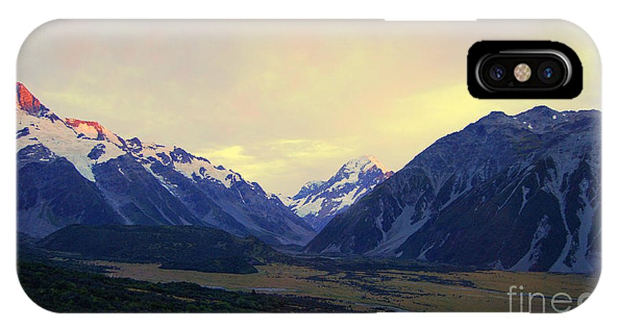 Aoraki IPhone X Case featuring the photograph Sunrise On Aoraki Mount Cook In New Zealand by Catherine Sherman