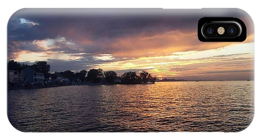 Sunset Photographs IPhone X Case featuring the photograph Sunset Over Lake Ontario Beach by Charlotte Gray