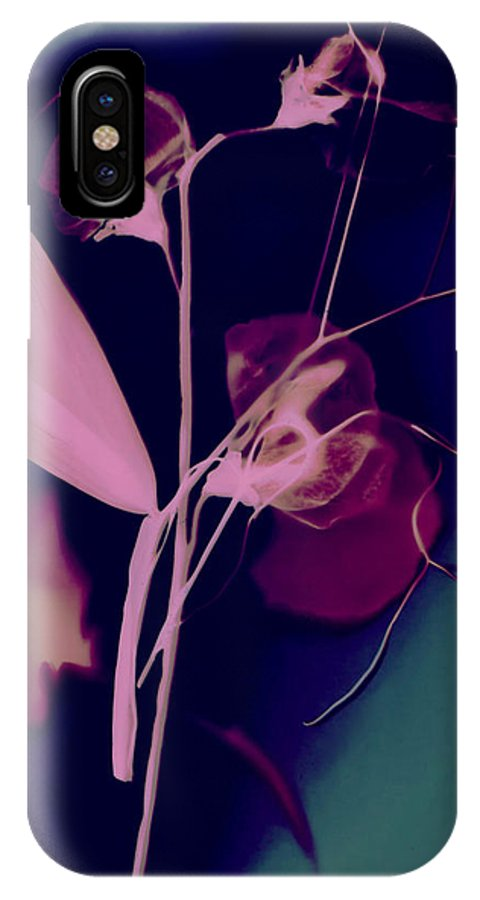 Sweetpea IPhone X Case featuring the photograph Sweetpea In The Pink by Susan Leake