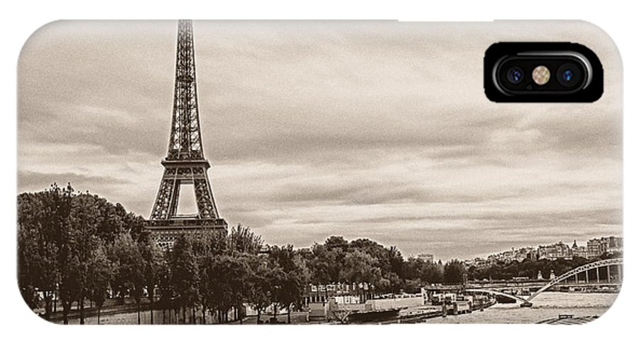 Eiffel IPhone X Case featuring the photograph Eiffel Tower by IB Photography