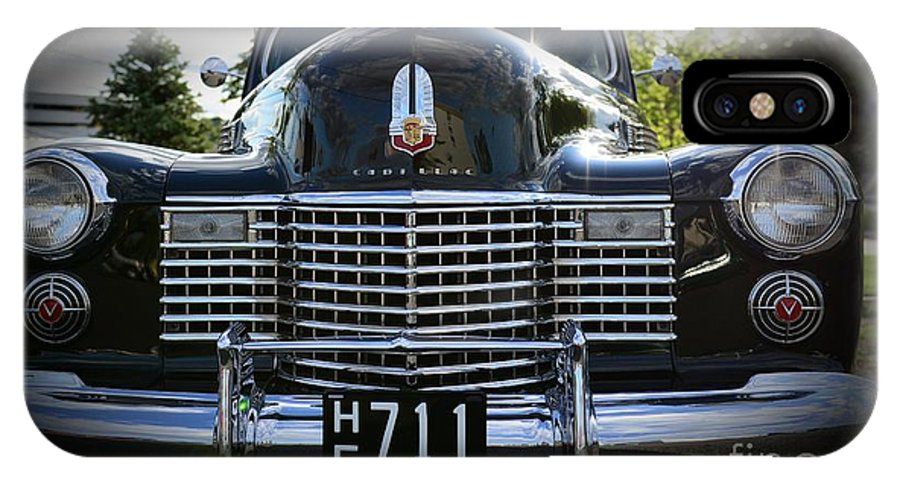 1941 Cadillac IPhone X Case featuring the photograph 1941 Cadillac Front End by Paul Ward
