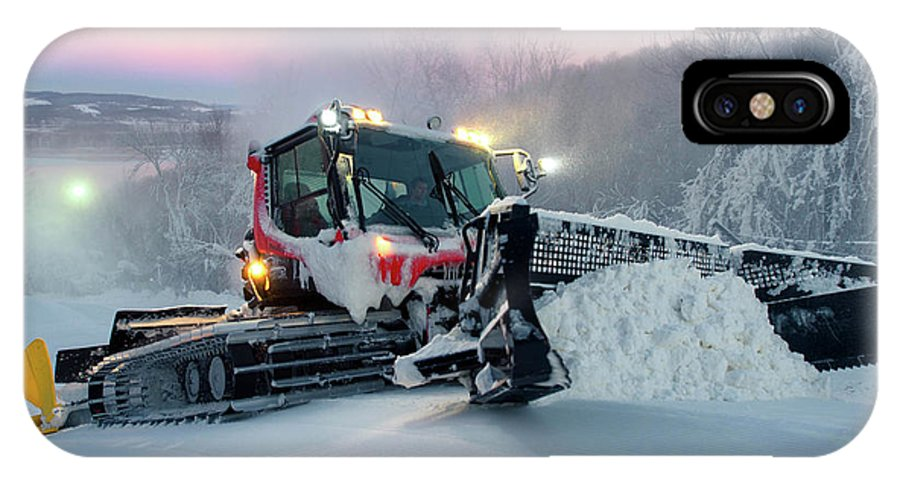A Pistenbully Snowcat Operation IPhone X Case