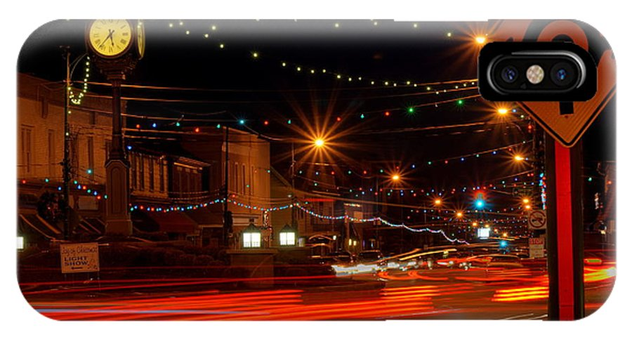 Columbiana IPhone X Case featuring the photograph Christmas In Columbiana Ohio by David Dufresne