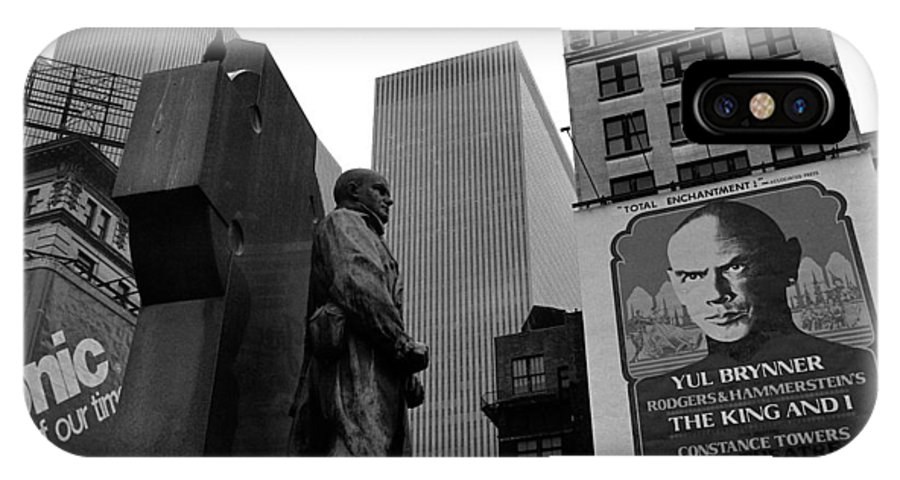 Film Homage The Fighting 69th 1940 Fr. Duffy Statue Yul Brynner Palace Theater New York 1977 IPhone X Case featuring the photograph Film Homage The Fighting 69th 1940 Fr. Duffy Statue Yul Brynner Palace Theater New York 1977 by David Lee Guss
