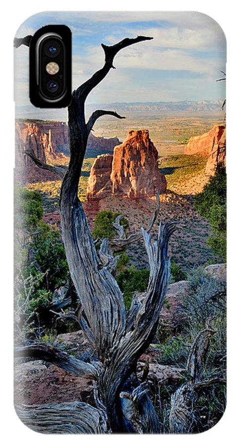 Colorado National Monument IPhone X Case featuring the photograph Independence Monument by Ray Mathis