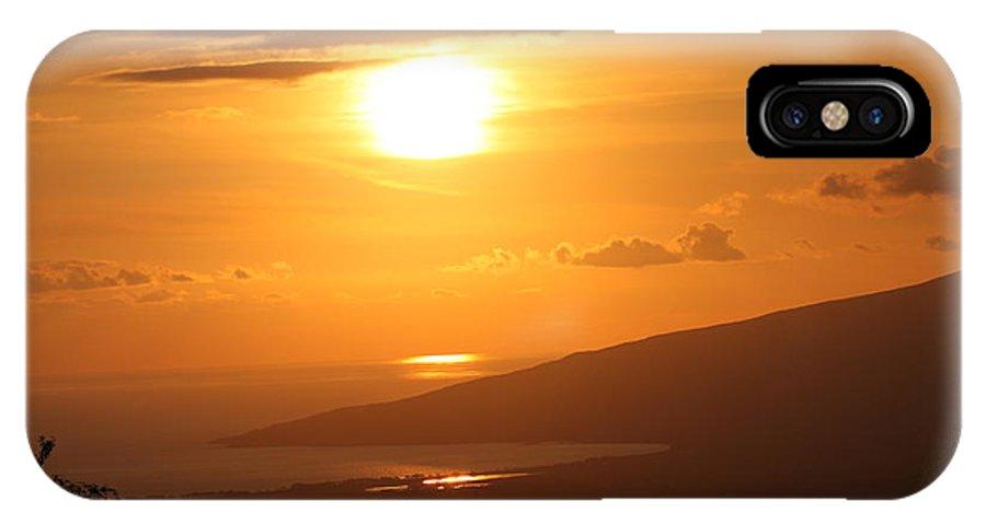 Maui IPhone X Case featuring the photograph Maui Kulamalu Sunset by Pharaoh Martin