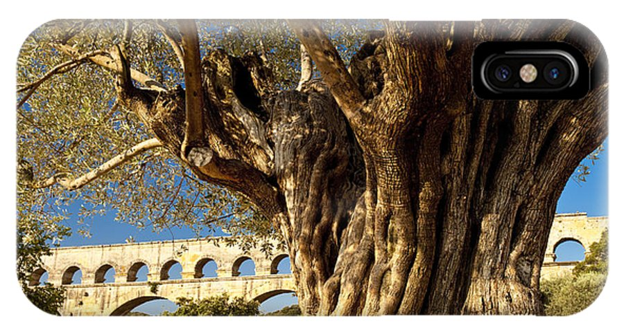 Pont Du Gard IPhone X Case featuring the photograph Pont Du Gard by Brian Jannsen