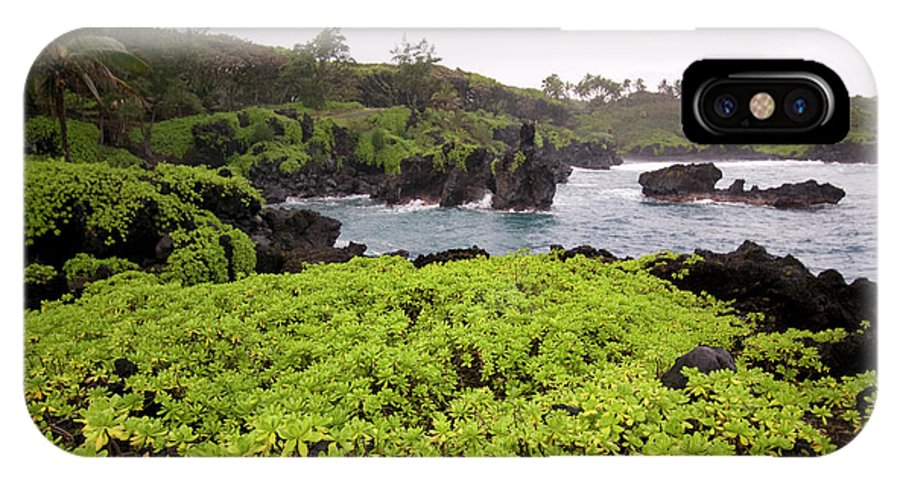 Hawaii IPhone X Case featuring the photograph Hawaii by Sergi Reboredo