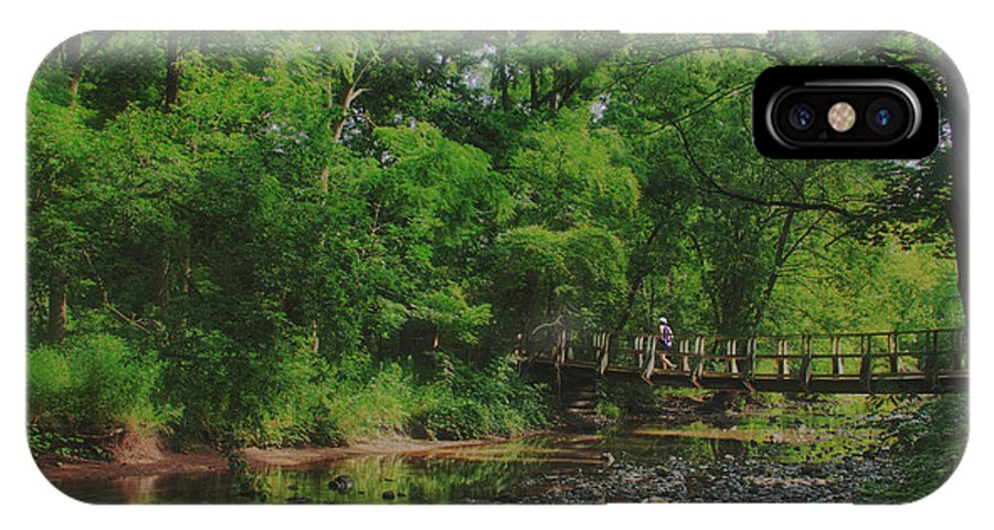 Runner 40 Mile Creek Grimsby IPhone X Case featuring the photograph 40 Mile Creek by Dan Copeland