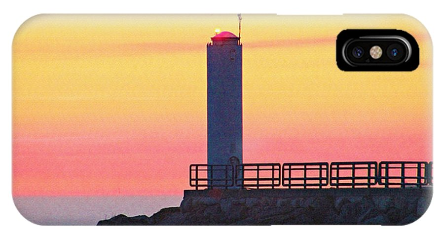 Lighthouse IPhone X / XS Case featuring the photograph Pier Light At Sunrise In Cheboygan Michigan by Kerry Gergen