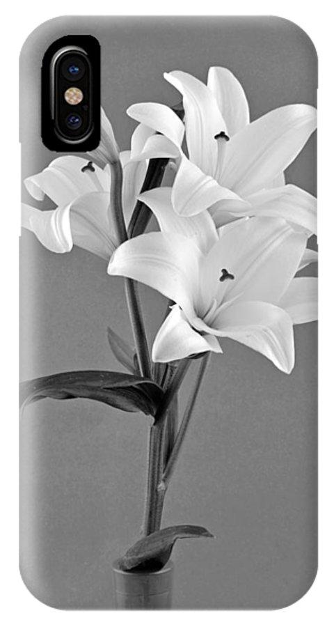 Flower; Flowers; Plant; Spring; Springtime; Season; Nature; Natural; Flora; Bloom; Blooming; Blossom; Blossoming; Macro; Close-up; Detail; Details; Greece; Hellas; Greek; Hellenic; Attica; Attika; Attiki; Europe; European; Mediterranean; Aesthetic; Aesthetics; Esthetic; Esthetics; Artistic; Beautiful; Beauty; Still Life IPhone X / XS Case featuring the photograph Black And White Beauty by George Atsametakis